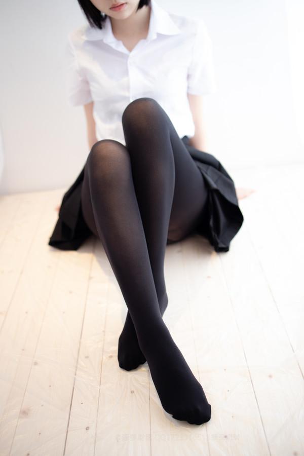 森萝财团爱花写真-ALPHA-021